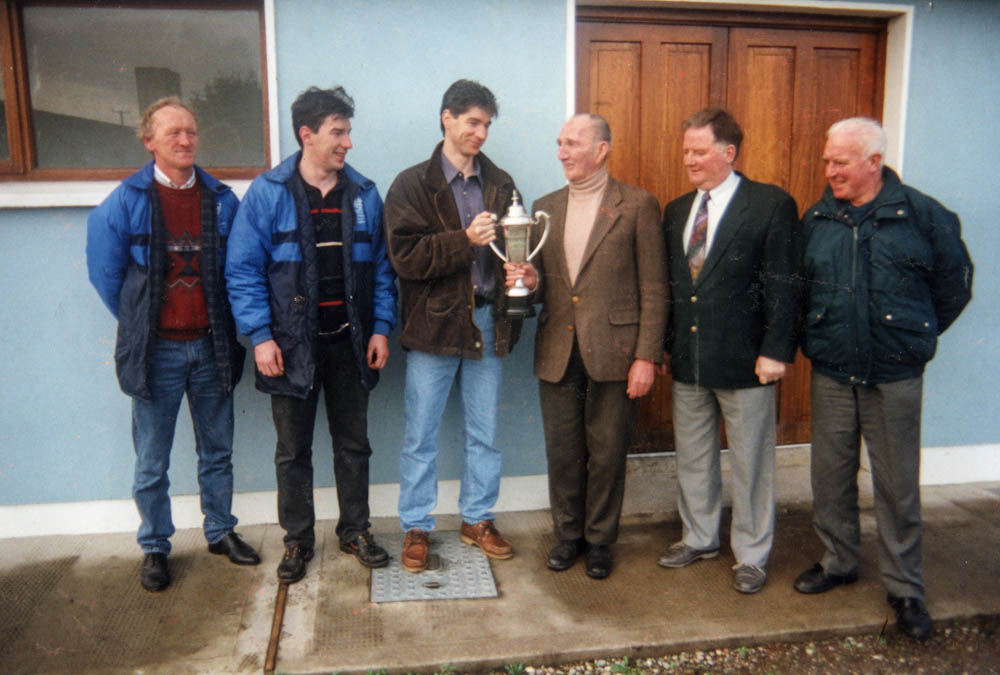 Mikey Kennedy presented the Seamus Murphy Cup for U-10 Parish League 1994